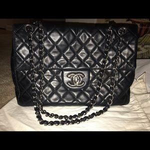 Chanel timeless chain bag